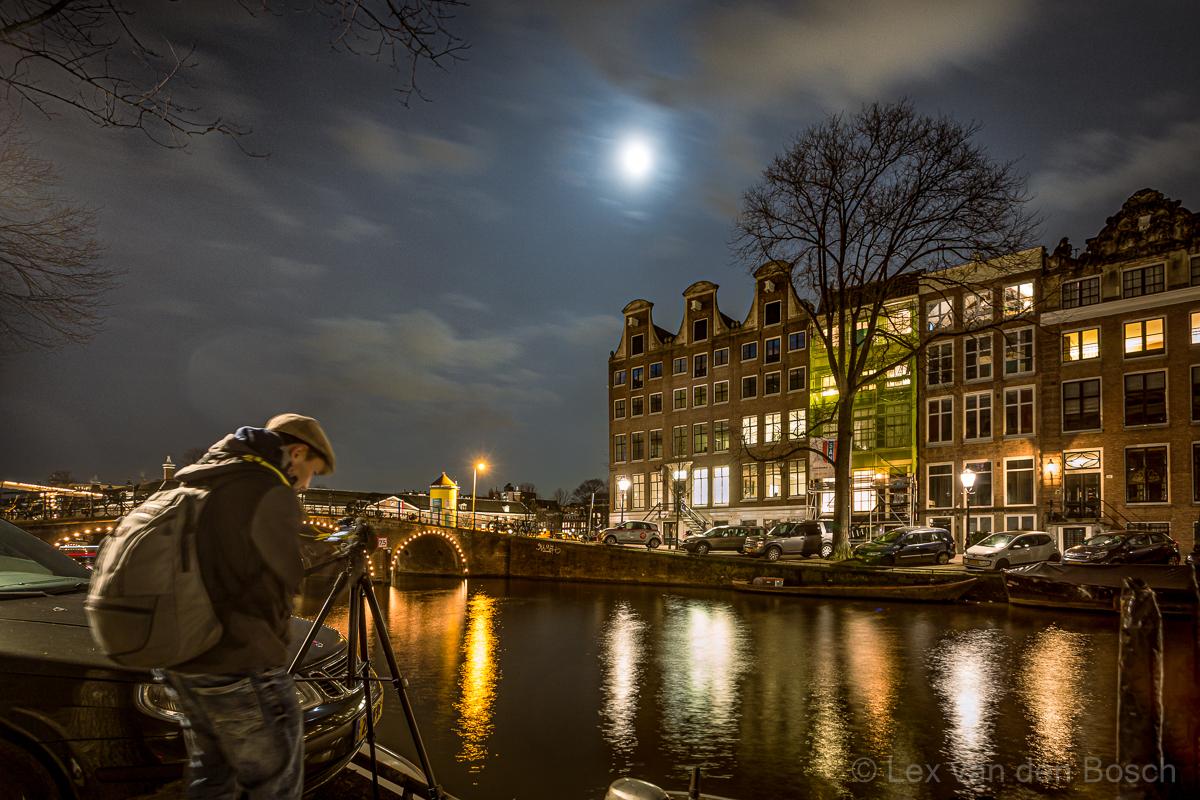 Praktijkworkshop nachtfotografie vanaf statief in hartje Amsterdam
